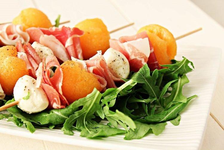 Salata sa pipunom i pršutom