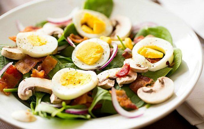 Ukusna letnja salata sa Interproduct pancetom